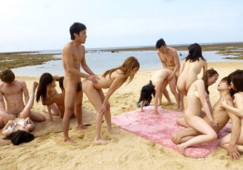 (※写真あり※)人気の少ないビーチに行ったらヤリサー合宿に遭遇したンゴwwwwwwwwwwwwwwwwwwwwwwwwwwwwwwwwwwwwww