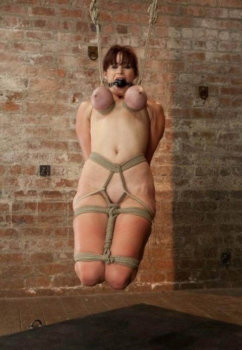 【画像あり】 巨 乳 の 彼 女 を 懲 ら し め る 最 も 効 果 的 な 方 法 wwwwwwwwwwwwwwwww(※閲覧注意)・8枚目