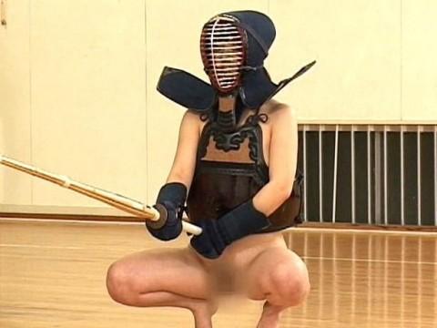 【剣道エロ画像】彼女が道着を脱ぎ捨てたら・・・(23枚)・11枚目