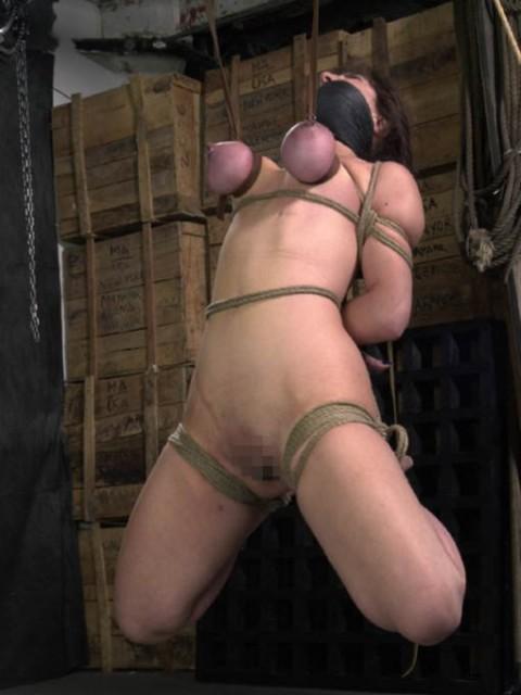【画像あり】 巨 乳 の 彼 女 を 懲 ら し め る 最 も 効 果 的 な 方 法 wwwwwwwwwwwwwwwww(※閲覧注意)・11枚目