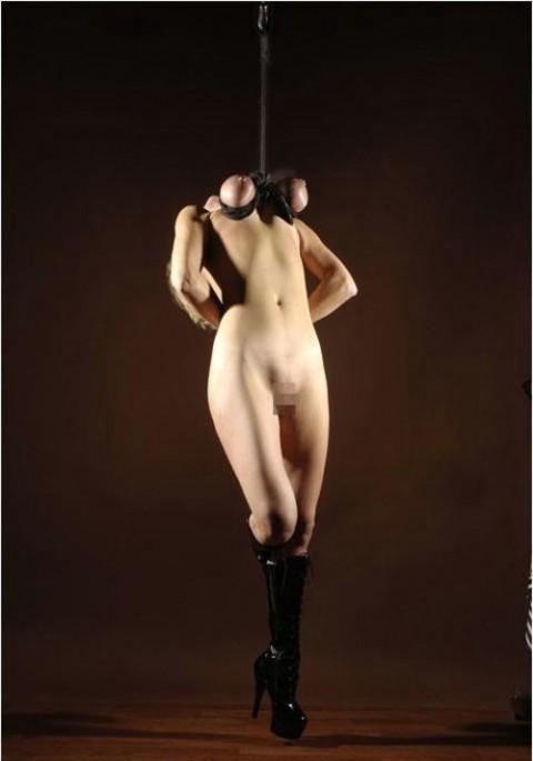 【画像あり】 巨 乳 の 彼 女 を 懲 ら し め る 最 も 効 果 的 な 方 法 wwwwwwwwwwwwwwwww(※閲覧注意)・13枚目