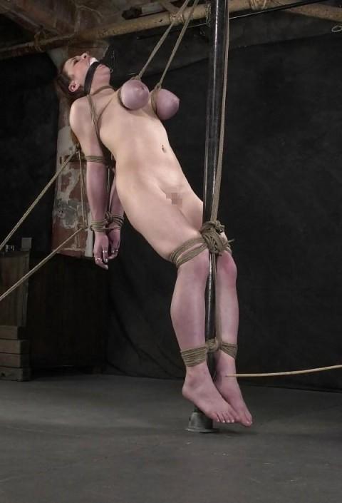 【画像あり】 巨 乳 の 彼 女 を 懲 ら し め る 最 も 効 果 的 な 方 法 wwwwwwwwwwwwwwwww(※閲覧注意)・14枚目