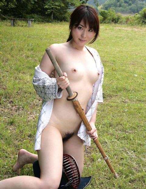 【剣道エロ画像】彼女が道着を脱ぎ捨てたら・・・(23枚)・22枚目