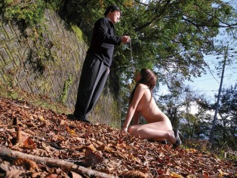 【画像あり】彼 女 が ド M な 裸 族 で 手 に 負 え な い wwwwwwwwwwwwwwwwwwww・2枚目