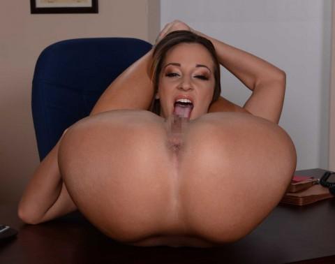【画像】恐怖!自分で自分のマンコを舐められる女wwwwwwwwwwwwwwww・5枚目
