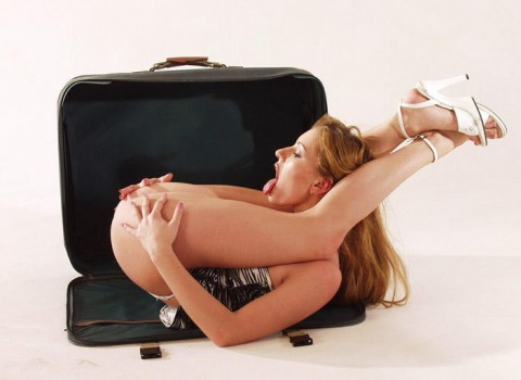 【画像】恐怖!自分で自分のマンコを舐められる女wwwwwwwwwwwwwwww・2枚目