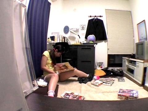 妹の部屋入ったらこの状態だった時の気まずさwwwwwwwwwwwwwwwwww(画像あり)・1枚目
