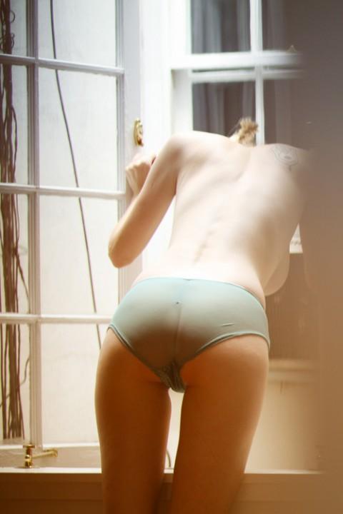 【家庭内画像】思春期の悶々とした性欲を満たす最高のオナネタがこちらwwwwwwwwwwwwwwwwwwww(21枚)・9枚目