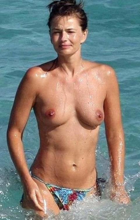【衝撃】ミランダ・カーやパリス・ヒルトンまで!夏のビーチで乳首開放してるセレブ達wwwwwwwwwwww(画像22枚)・2枚目