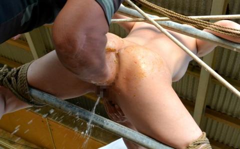 【衝撃画像】肛門にグーパンチされた女をごらんくださいwwwwwwwwwwwwwww・6枚目
