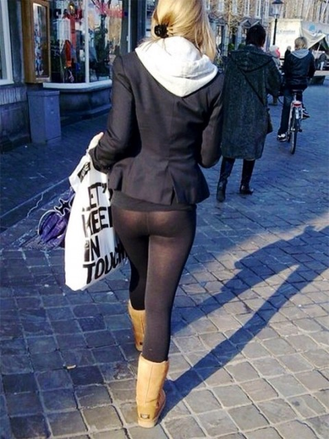 【画像あり】デカ尻女、パンティを盗んで穿くもレギンスからタグがスケスケで御用wwwwwwwwww・19枚目
