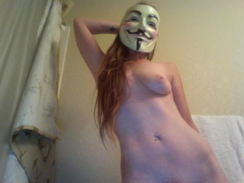 【素人】ガイ・フォークスの仮面をかぶった女たちが普段の10倍卑猥になる件(※画像あり)・14枚目