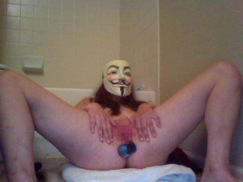 【素人】ガイ・フォークスの仮面をかぶった女たちが普段の10倍卑猥になる件(※画像あり)・17枚目