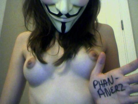 【素人】ガイ・フォークスの仮面をかぶった女たちが普段の10倍卑猥になる件(※画像あり)・22枚目