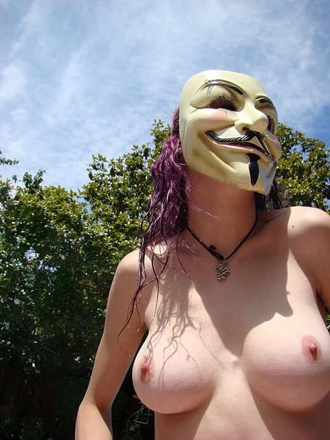 【素人】ガイ・フォークスの仮面をかぶった女たちが普段の10倍卑猥になる件(※画像あり)・9枚目