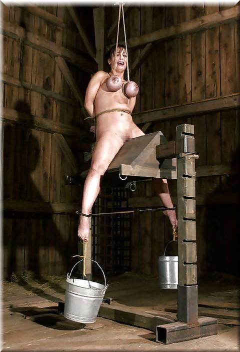 【 閲 覧 注 意 】 外 人 の 拷 問 エ ロ 画 像 が ド ン 引 き レ ベ ル ・・・・・(25枚)・14枚目