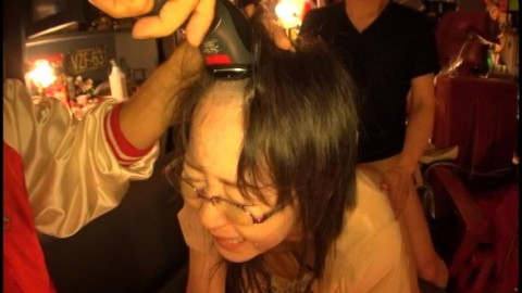 【トラウマ】地味なOLをAVに出演させて髪まで剃ってみた結果wwwwwwwwwwwwwww(※画像あり)・10枚目