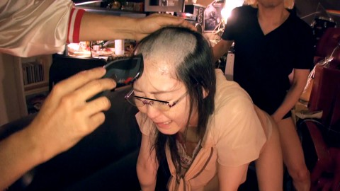 【トラウマ】地味なOLをAVに出演させて髪まで剃ってみた結果wwwwwwwwwwwwwww(※画像あり)・12枚目