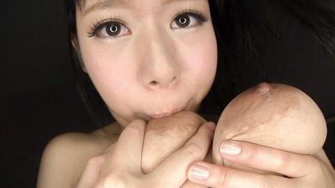 【※画像あり】これができる女だけ「 爆 乳 」と認めるwwwwwwwwwwwwwwwww・1枚目