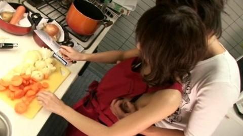 【画像あり】彼女に手料理作ってもらいたいもう一つの理由がこちらwwwwwwwwwwww・12枚目