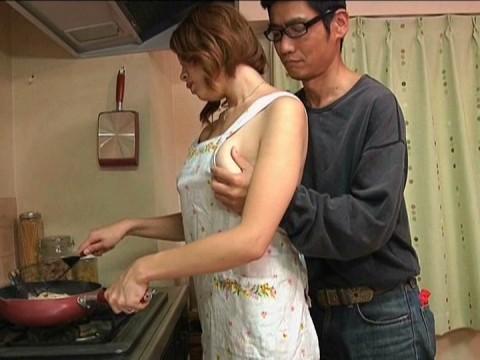 【画像あり】彼女に手料理作ってもらいたいもう一つの理由がこちらwwwwwwwwwwww・14枚目