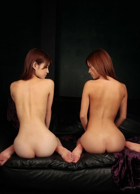 【ボッキ不可避】この座り方でケツ穴が見えた時のエロさは異常wwwwwwwwwwwww(※画像あり)・23枚目