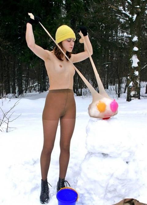 【野外露出】雪と白人美女のコラボレーション=最強なことがよく分かる画像集(30枚)・19枚目