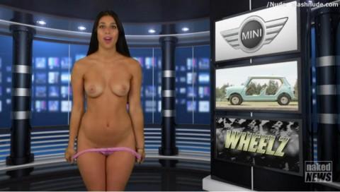【画像あり】海外には女性が全裸で本当のニュースを伝える番組があるらしいwwwwwwwwwww(28枚)・22枚目