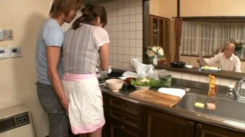 【画像あり】彼女に手料理作ってもらいたいもう一つの理由がこちらwwwwwwwwwwww・22枚目