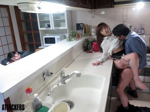 【画像あり】弟が無精子症なので弟嫁を孕ませるまで精子注入してみた結果wwwwwwwwww・5枚目
