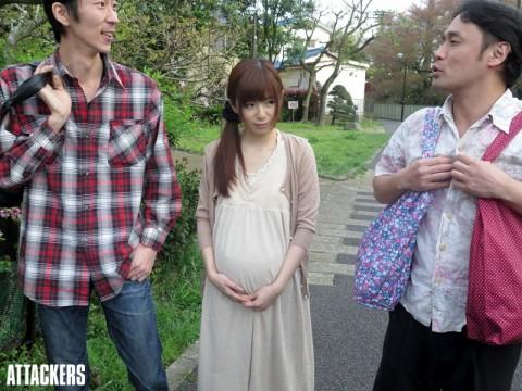 【画像あり】弟が無精子症なので弟嫁を孕ませるまで精子注入してみた結果wwwwwwwwww・8枚目