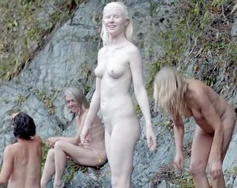 アルビノ nude  無修正   GIF