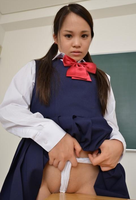 放 課 後 × 女 生 徒 × 机 の 角 = ご 覧 く だ さ い ・・・・・・(※画像あり)・1枚目