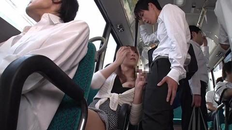 【ドッキリ】通学バスで痴女に遭遇→最高潮にボッキしたところで痴女がニューハーフだと分かるとどうなるか・・・(動画)・7枚目