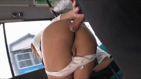 【ドッキリ】通学バスで痴女に遭遇→最高潮にボッキしたところで痴女がニューハーフだと分かるとどうなるか・・・(動画)・31枚目