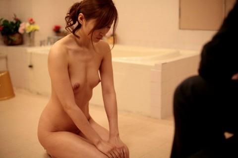 【※ドS必見】全裸で土下座してる女のエロさは異常wwwwwwwwwwwwwwwwwww(21枚)・9枚目