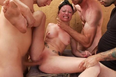 【※画像あり】セクロス中に感じてる女の顔見てるとつい首絞めてしまうやつwwwwwwwwww(28枚)・10枚目