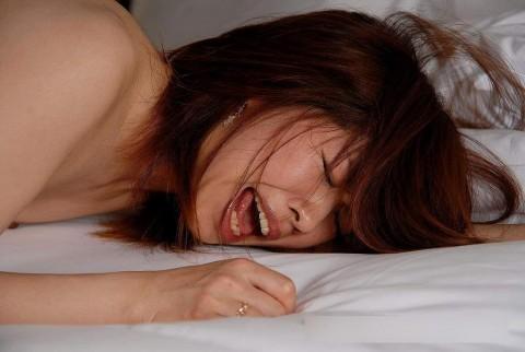 【イキ顔】二次元で女がイクときの「ひぎぃぃぃぃぃぃぃ!!!!」って顔を三次元にしたらこんな感じかな(画像24枚)・15枚目