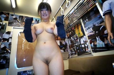 【画像あり】童顔、低身長好きなくせに巨乳がいいとかいう日本男児にありがちな趣向を網羅してる女wwwwwwwwwwww・29枚目