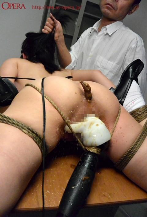 【閲覧注意】優等生女子が縛られて脱糞してるところとか見てまさか興奮しないよな・・・?(※画像あり)・5枚目