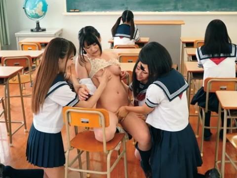 【画像20枚】女子校に潜入してみたいってやつはこれ見て我慢しとけwwwwwwwwwwww・1枚目