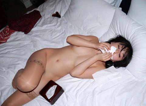 【切ない】セックス後に精液を自分で拭き取る女の姿・・・・・(画像あり)・28枚目
