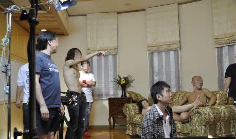 【画像あり】俺氏、AVの撮影現場見て男優への道あきらめる・・・(/ω\)・12枚目