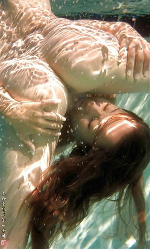 【誰得】水中クンニとかいう危険技wwwwwwwwwwwwww(画像20枚)・3枚目