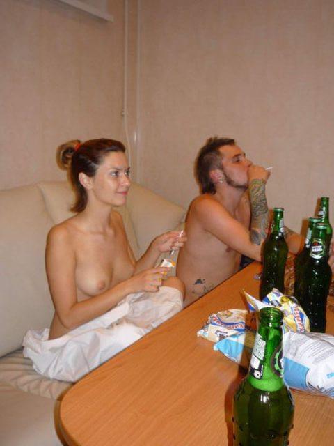 酒の勢いでやらかした女たちがネットに晒されてる(画像27枚)・2枚目
