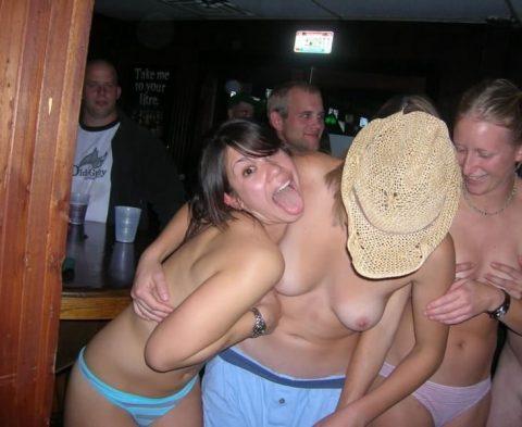 酒の勢いでやらかした女たちがネットに晒されてる(画像27枚)・10枚目