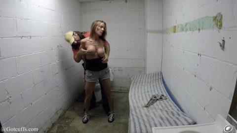 【悲惨】刑務所に入れられた女たちの末路・・・(画像あり)・12枚目