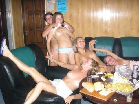 酒の勢いでやらかした女たちがネットに晒されてる(画像27枚)・19枚目