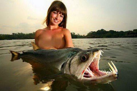 【釣り女】魚もどうせ釣られるならこんな美女に釣られたいよな(画像23枚)・7枚目