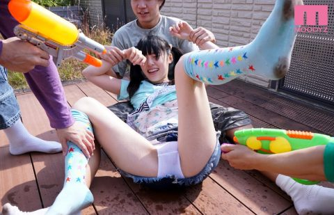 【※画像あり】親の留守中の女の子の家に悪ガキ3人が遊びに来た結果wwwwwwwwww・1枚目